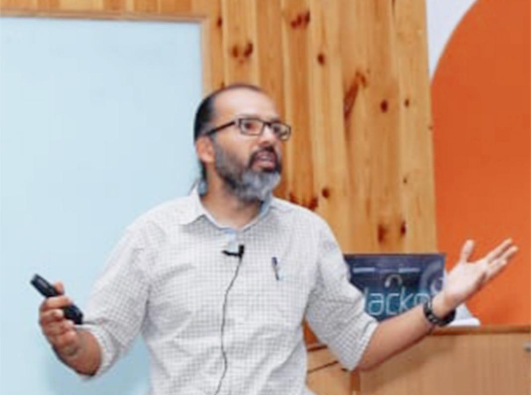 Abhishek Taneja Sutradhaar of EarthJust and Berry Clean